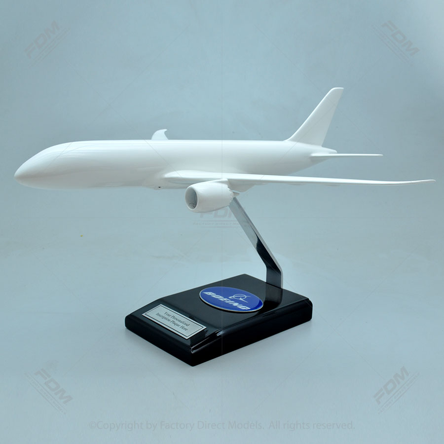 Your Custom Painted Boeing 787-800 Dreamliner Scale Model