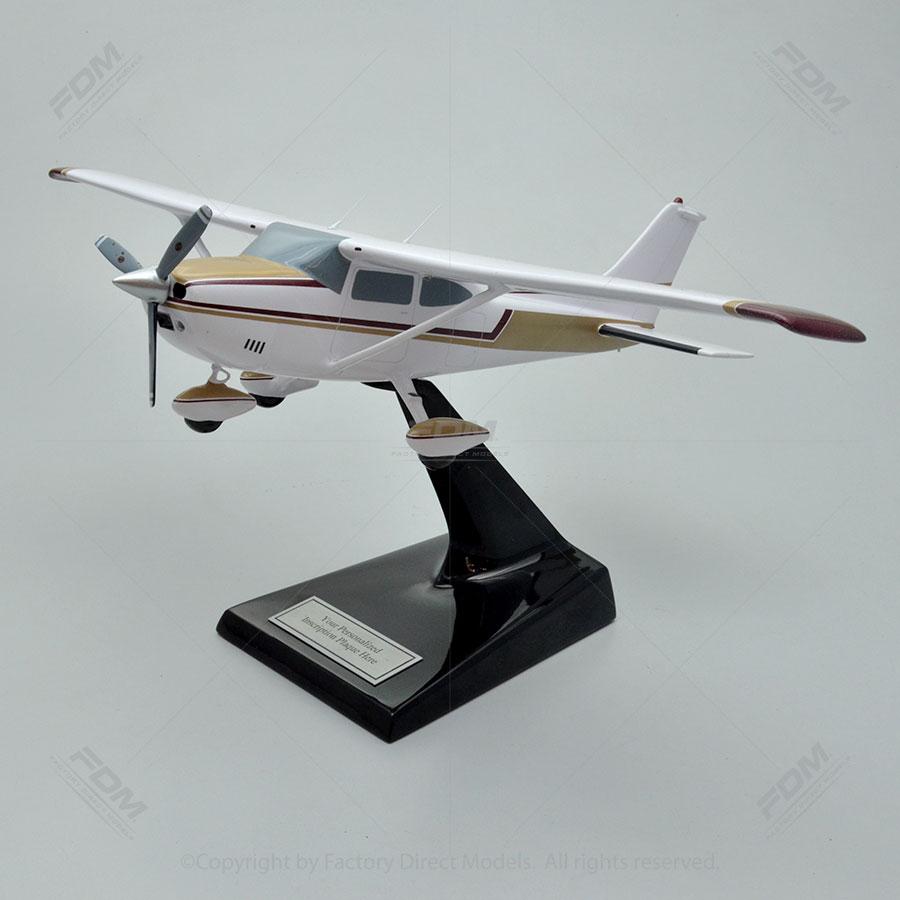 Cessa 182P Skylane Model