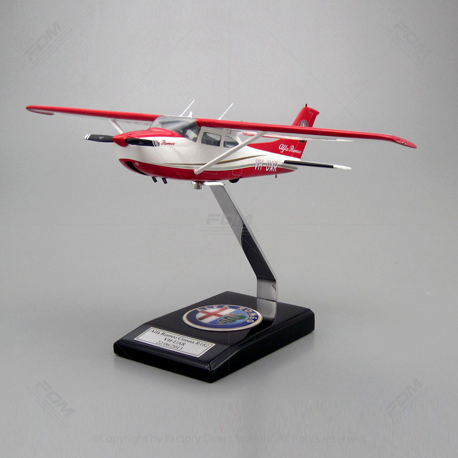 Cessna R182 Skylane Model with Detailed Interior