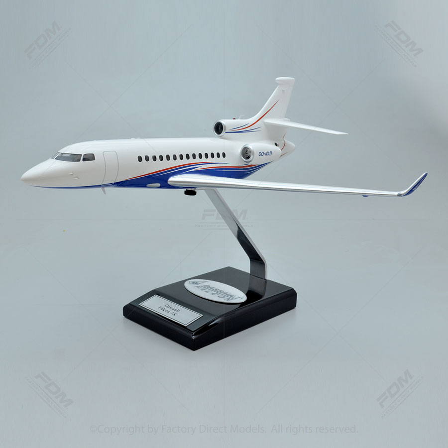 Dassault Falcon 7X Model with Detailed Interior