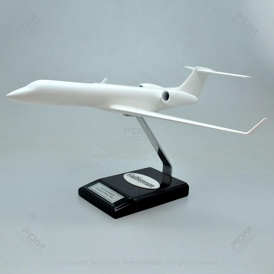 Your Custom Painted Gulfstream G550 Model