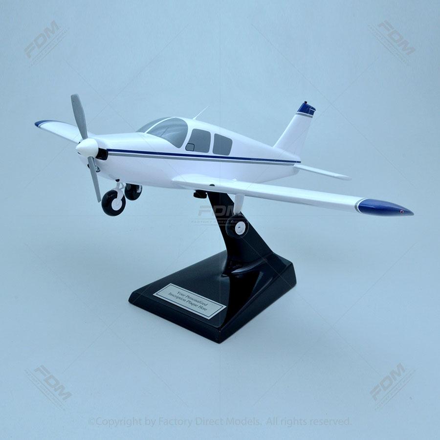 Piper PA28-140 Cherokee Model