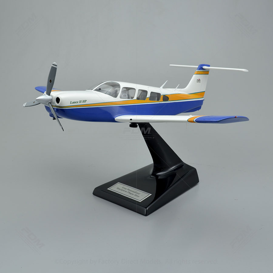 Piper PA-32RT-300 Lance II Model with Detailed Interior