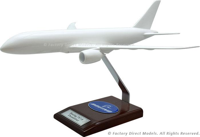 Your Custom Painted Boeing 787-800 Dreamliner Scale Model