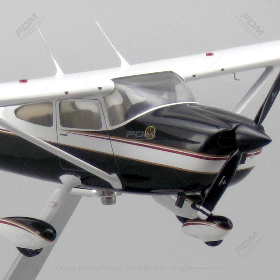Cessna 150 Model With Detailed Interior