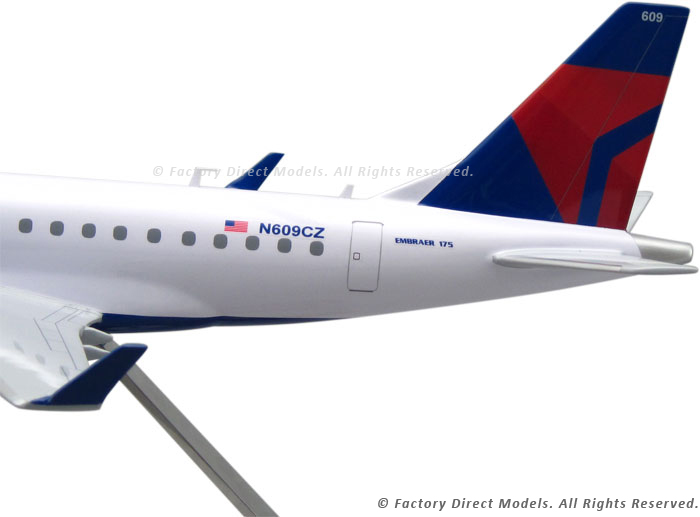 Embraer Emb 175 Delta Connection Model Airplane