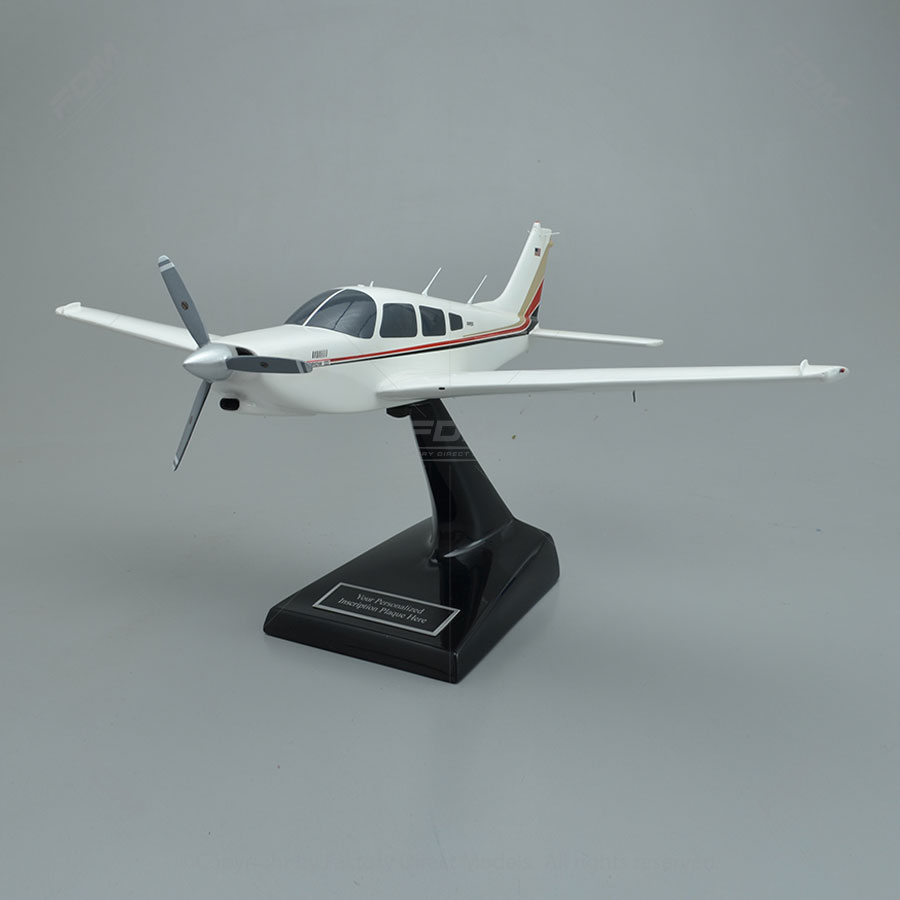 Piper PA-28R-201T Turbo Arrow III Model Airplane