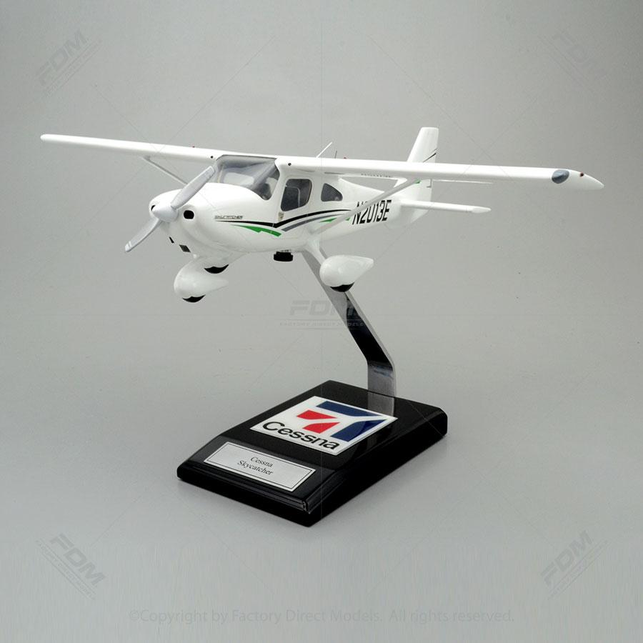 Cessna 162 Skycatcher Aeroplane Models | Factory Direct