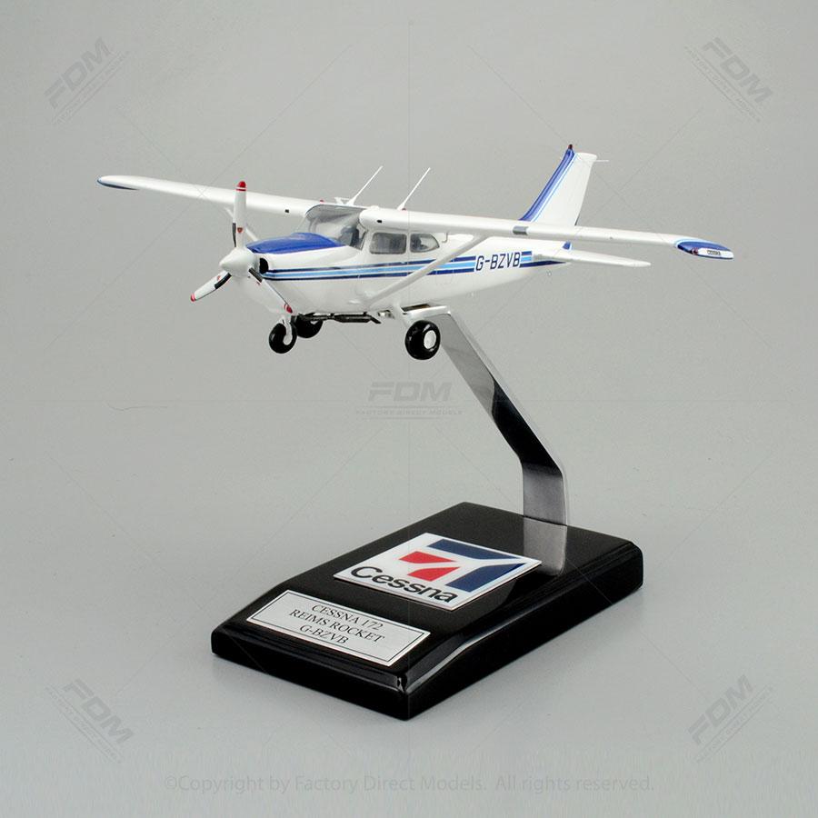 Cessna 172 Skyhawk Reims Rocket Model with Detailed Interior