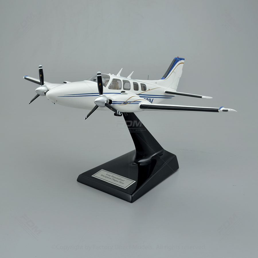 Beechcraft Baron 58 Model with Detailed Interior