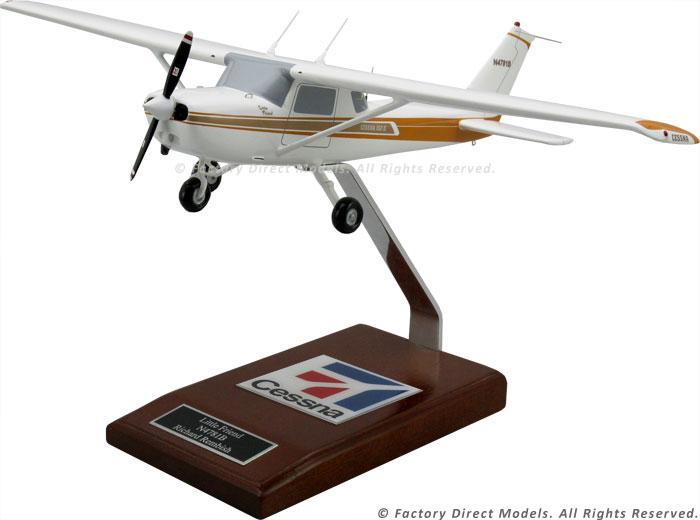Cessna 152 Model Airplane